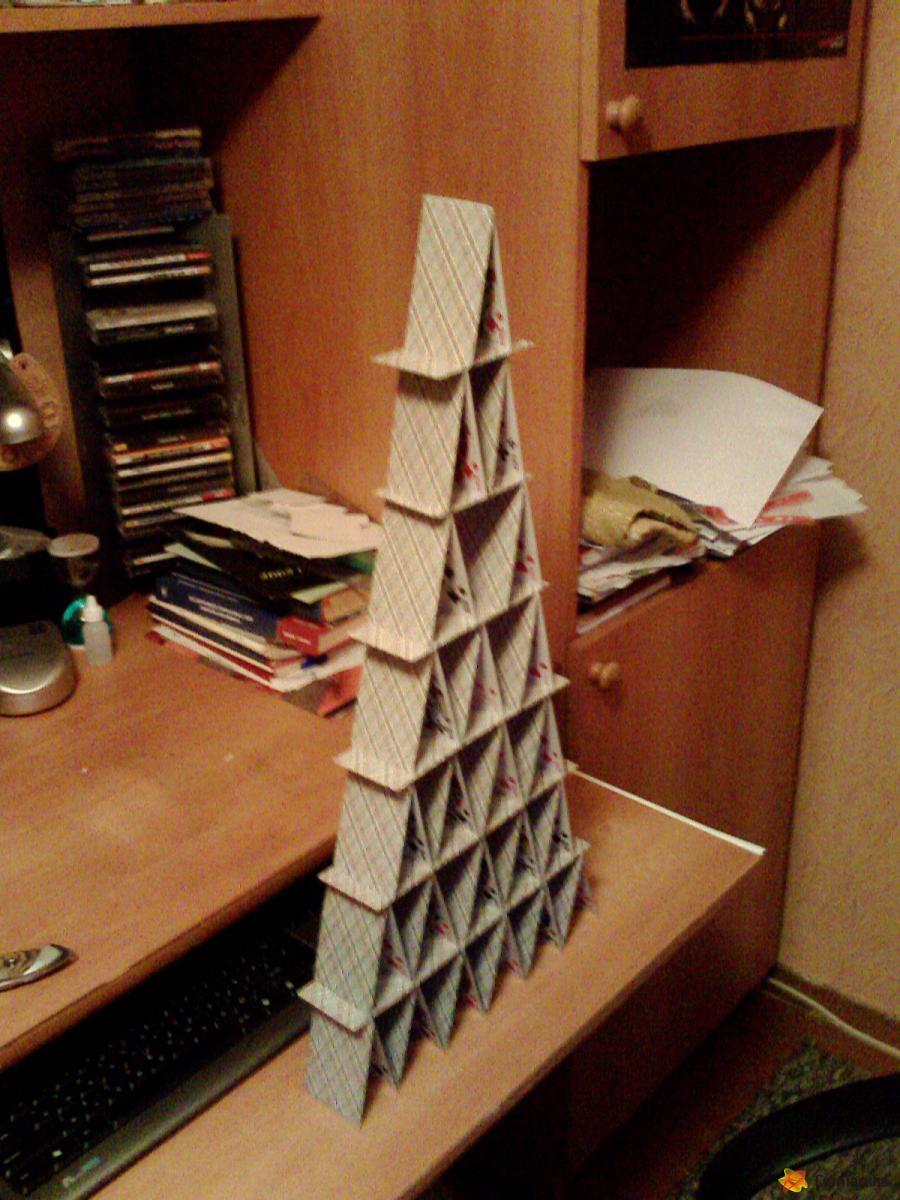 Пирамида из карт